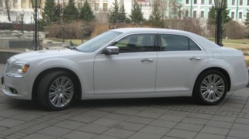 Аренда автомобиля Chrysler 300c  арт.65961 с водителем 1