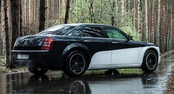 Аренда автомобиля Chrysler 300C  с водителем 1