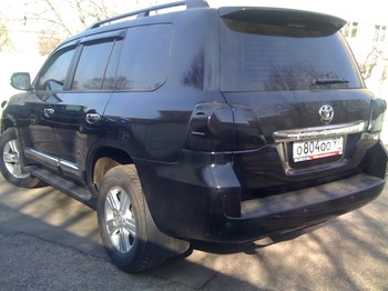 Аренда автомобиля Toyota Land Cruiser 200 с водителем 1
