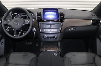 Аренда автомобиля Мерседес GLS черный с водителем 3