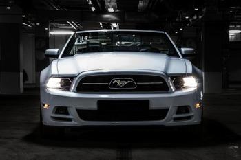 Аренда автомобиля Mustang Cabriolet с водителем 3