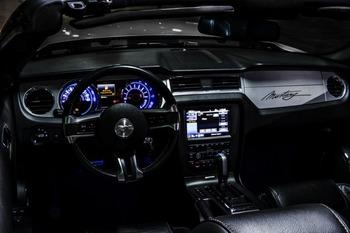 Аренда автомобиля Mustang Cabriolet с водителем 0