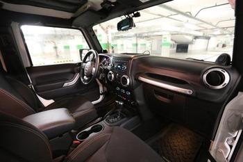 Аренда автомобиля Jeep Wrangler с водителем 5
