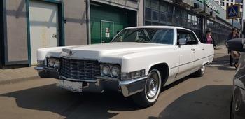 Аренда автомобиля Cadillac Deville с водителем 3