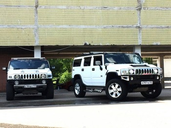 Аренда автомобиля Hummer H2 (белый) с водителем
