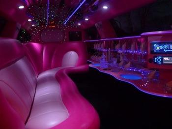 Аренда автомобиля Лимузин Chrysler 300C розовый  с водителем 3