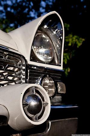 Аренда автомобиля Чайка (ГАЗ-13) белая  с водителем 11