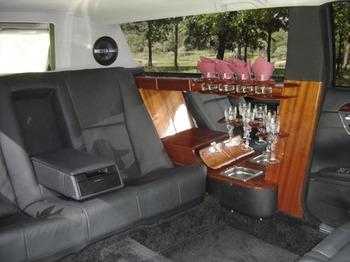 Аренда автомобиля Лимузин Mercedes 221 Pullman  с водителем 0