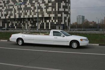Аренда автомобиля Лимузин Lincoln Town Car  с водителем 0