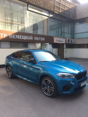 Аренда автомобиля BMW X6 с водителем
