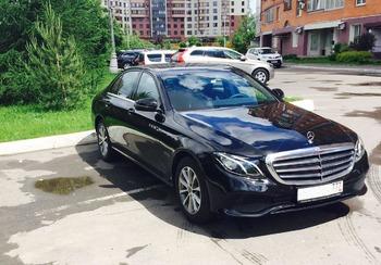 Аренда автомобиля Mercedes Е-213  с водителем