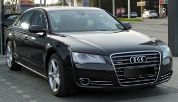 Аренда автомобиля Audi A8 D4  с водителем