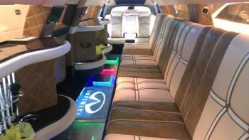 Аренда автомобиля Infiniti FX-35  с водителем 2