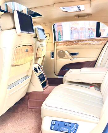 Аренда автомобиля Bentley Flying Spur с водителем 0
