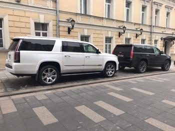 Аренда автомобиля Кадиллак Эскалейд 4 Long с водителем 5