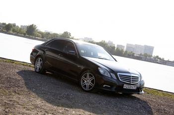 Аренда автомобиля Mercedes-Benz E 212  с водителем 1