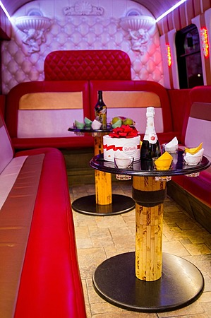 Аренда автомобиля  Party Bus Dodge Liberty с водителем 3