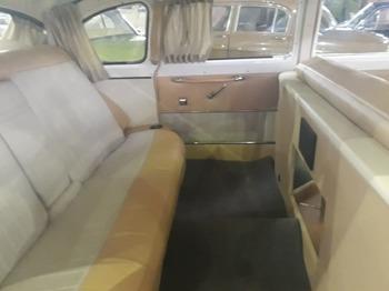 Аренда автомобиля Чайка (ГАЗ-13) белая  с водителем 1