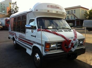 Аренда автомобиля  Party Bus Dodge Liberty с водителем