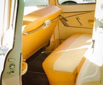 Аренда автомобиля ГАЗ-21  с водителем 2