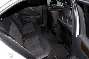 Аренда автомобиля Mercedes  E 212  с водителем 0