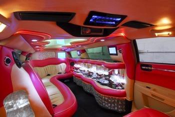 Аренда автомобиля Лимузин Chrysler 300C с водителем 2