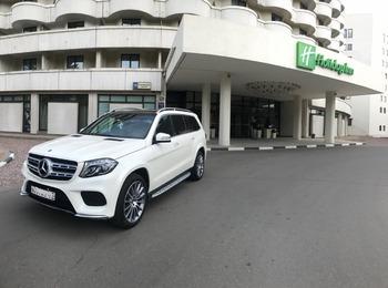 Аренда автомобиля Мерседес GLS с водителем 2