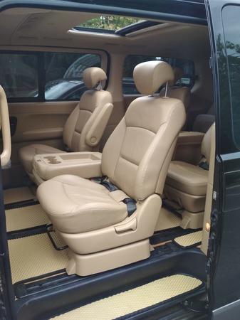 Аренда автомобиля Hyundai Grand Starex 10 мест с водителем 1