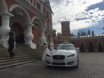 Аренда автомобиля Jaguar XF рестайлинг с водителем 4