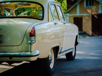 Аренда автомобиля ГАЗ-21  с водителем 3