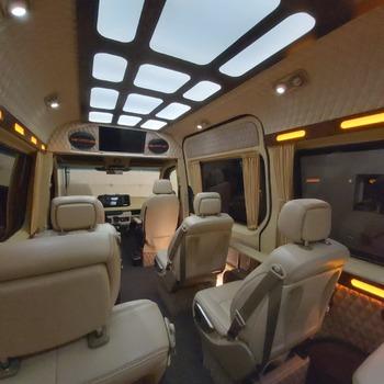 Аренда автомобиля Mercedes Sprinter VIP с водителем 2