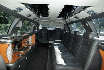 Аренда автомобиля Лимузин BMW 745i  с водителем 1