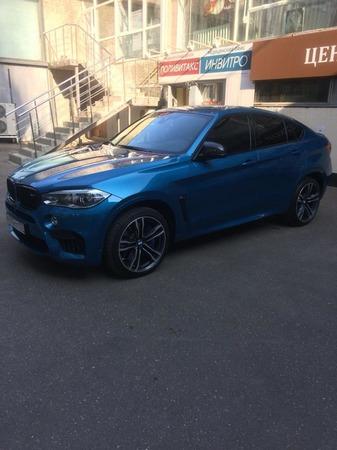 Аренда автомобиля BMW X6 с водителем 2