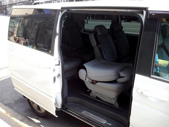 Аренда автомобиля Mercedes Viano (белый) с водителем 3