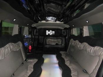 Аренда автомобиля Hummer H2  с водителем 0