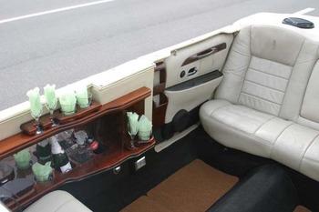 Аренда автомобиля Лимузин Lincoln Town Car  с водителем 5