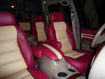 Аренда автомобиля Lincoln Navigator с водителем 3