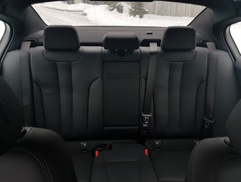 Аренда автомобиля BMW 520 с водителем 2