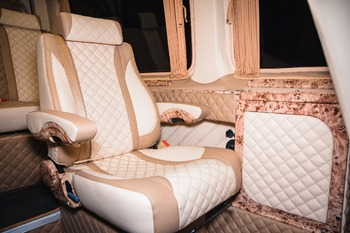 Аренда автомобиля Mercedes Sprinter VIP  с водителем 1