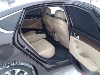 Аренда автомобиля Hyundai Genesis с водителем 1