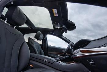 Аренда автомобиля Mercedes S222  с водителем 4