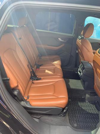 Аренда автомобиля Ауди Q7 с водителем 1