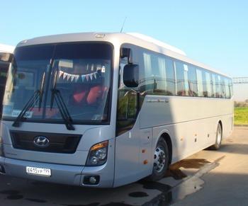 Аренда автомобиля Hyundai Universe с водителем