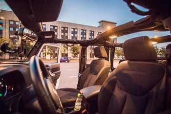 Аренда автомобиля Jeep Wrangler с водителем 9