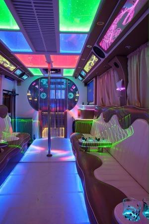 Аренда автомобиля Party Bus с водителем 1