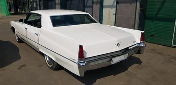 Аренда автомобиля Cadillac Deville с водителем 1