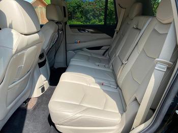 Аренда автомобиля Cadillac Escalade IV с водителем 1