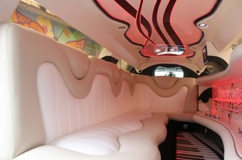 Аренда автомобиля Лимузин Chrysler RR   с водителем 1