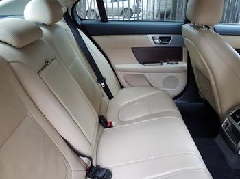 Аренда автомобиля Jaguar XF с водителем 3