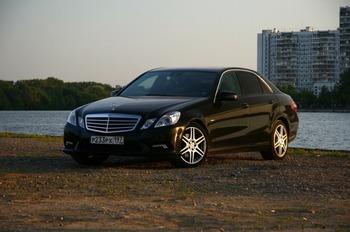 Аренда автомобиля Mercedes-Benz E 212  с водителем